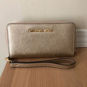 Michael Kors Leather Continental Wristlet Gold